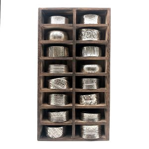 16 Compartment Vertical Display