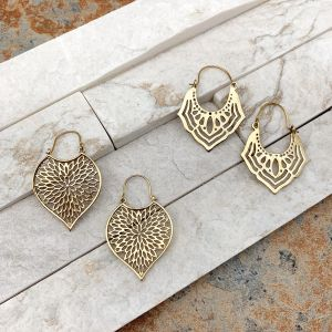 Tanvi Collection Earrings Prepack - 12 Pairs Gold & Display